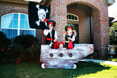 Diy pirate boat pirate costumes argh the handmade home diy pirate boat pirate costumes argh solutioingenieria Images