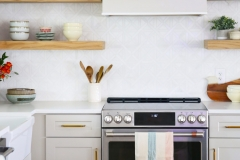 kitchen_oven_brass_tile-scaled