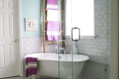 bathroom_clawfoot_bathtub1