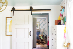 kids_shared_spaces_open_closet