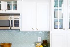 kitchen_beach_house_blue_tile