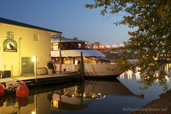 dinner_boat
