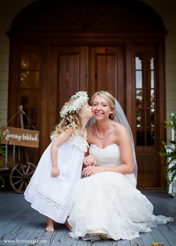 bride_and_flower_girl