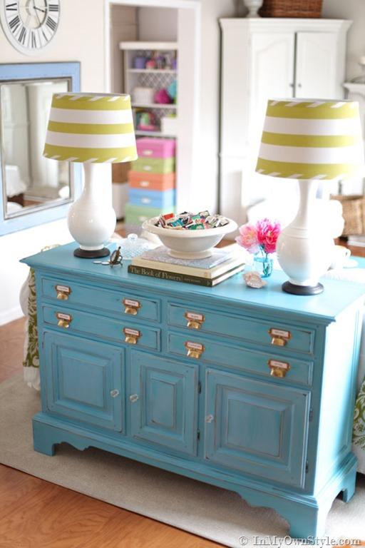 blue_dresser