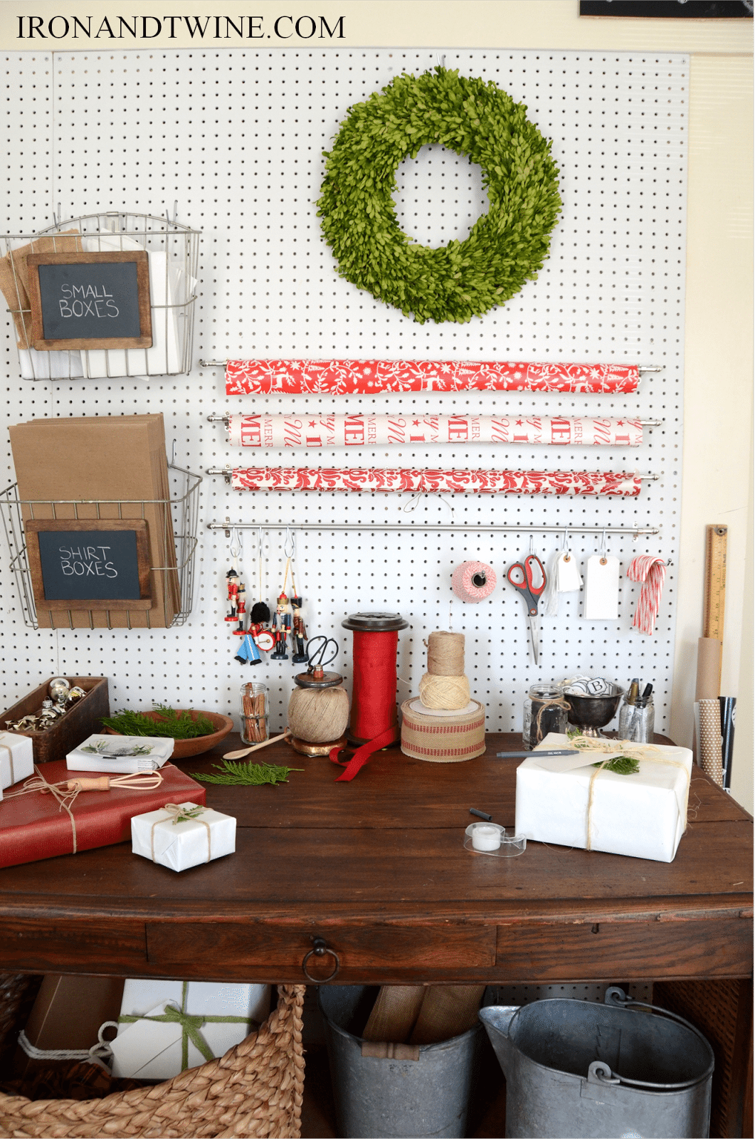 Gift Wrap Station (5)