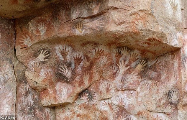 cave_handprint_paintings