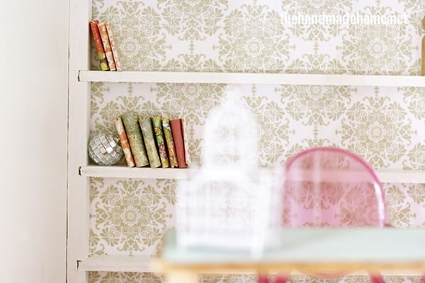 dollhouse_built-in_bookcases
