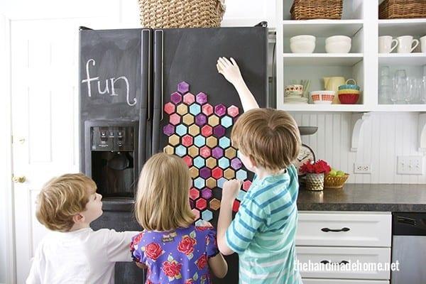 hexagon_magnets_chalkboard_fridge