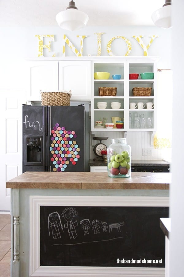 hexagon_magnets_chalkboard_frige