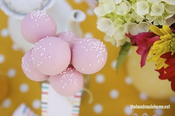 alice_in_wonderland_cake_pops