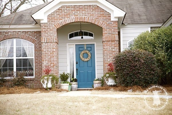curb_appeal_blue_front_door