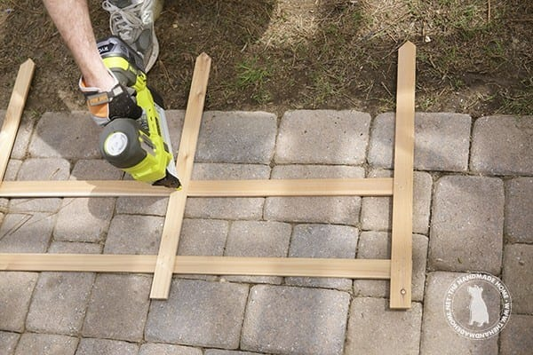 Make your own garden box fence the handmade home for Make your own fence