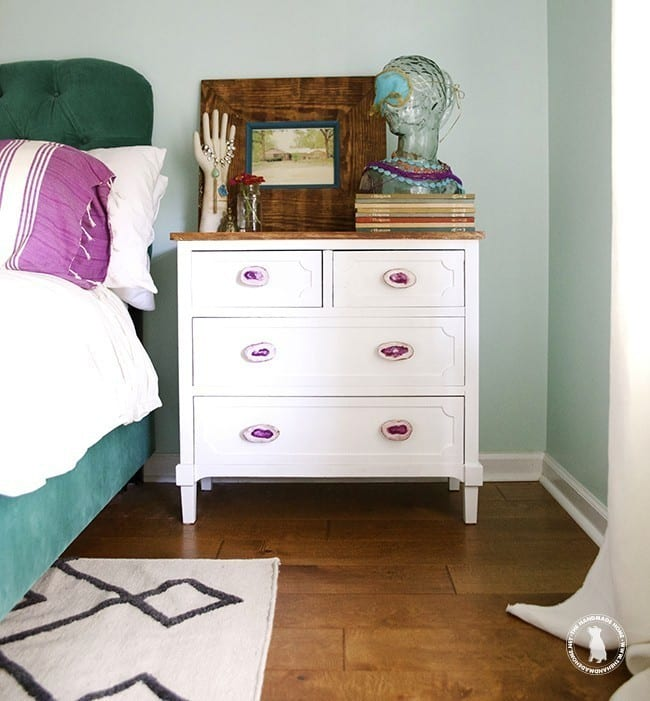 650x701xhandmade_frame_and_side_table.jpg.pagespeed.ic.pnkVFEFTQH