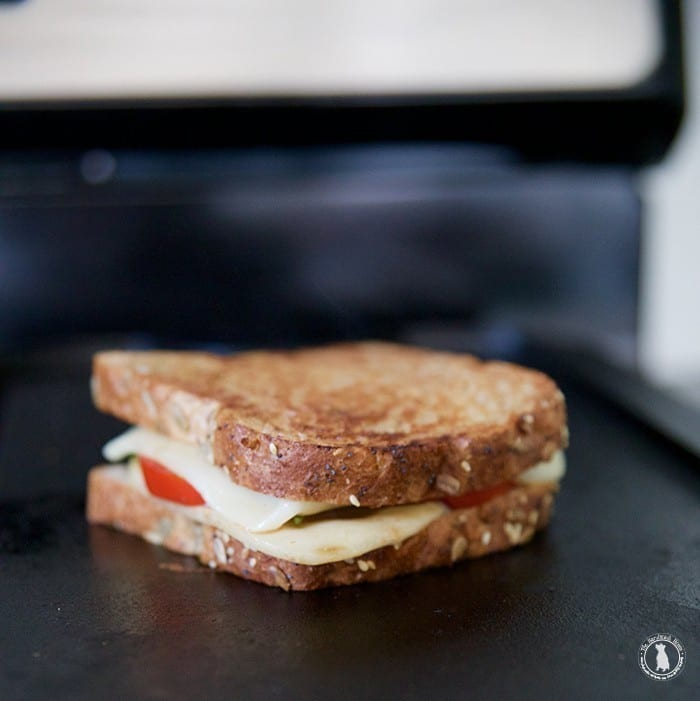 make_your_own_caprese_grilled_cheese