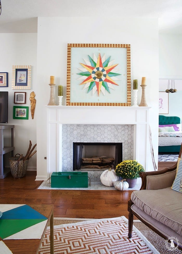 living_room_fall_mantel