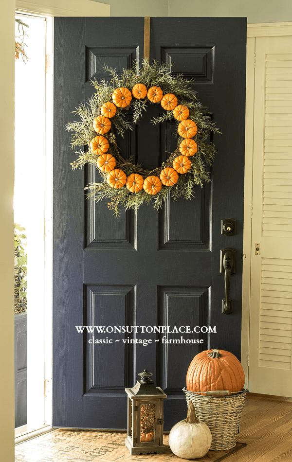 Circle-Pumpkin-Front-Door-Wreath