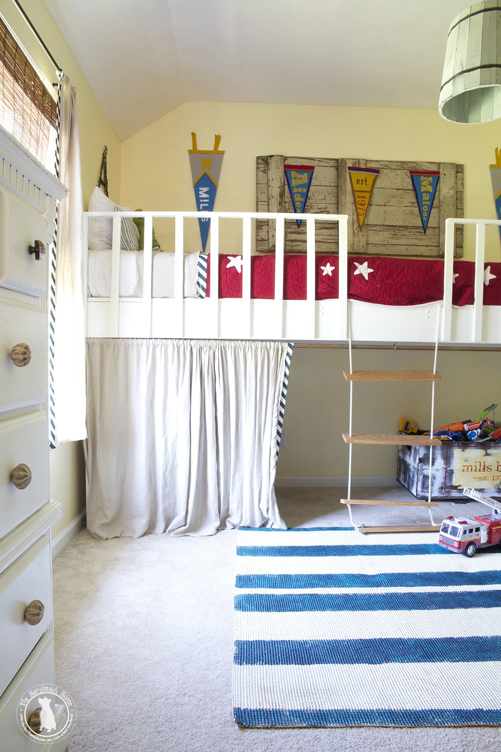 boys_shared_bedroom_big_bunkbed