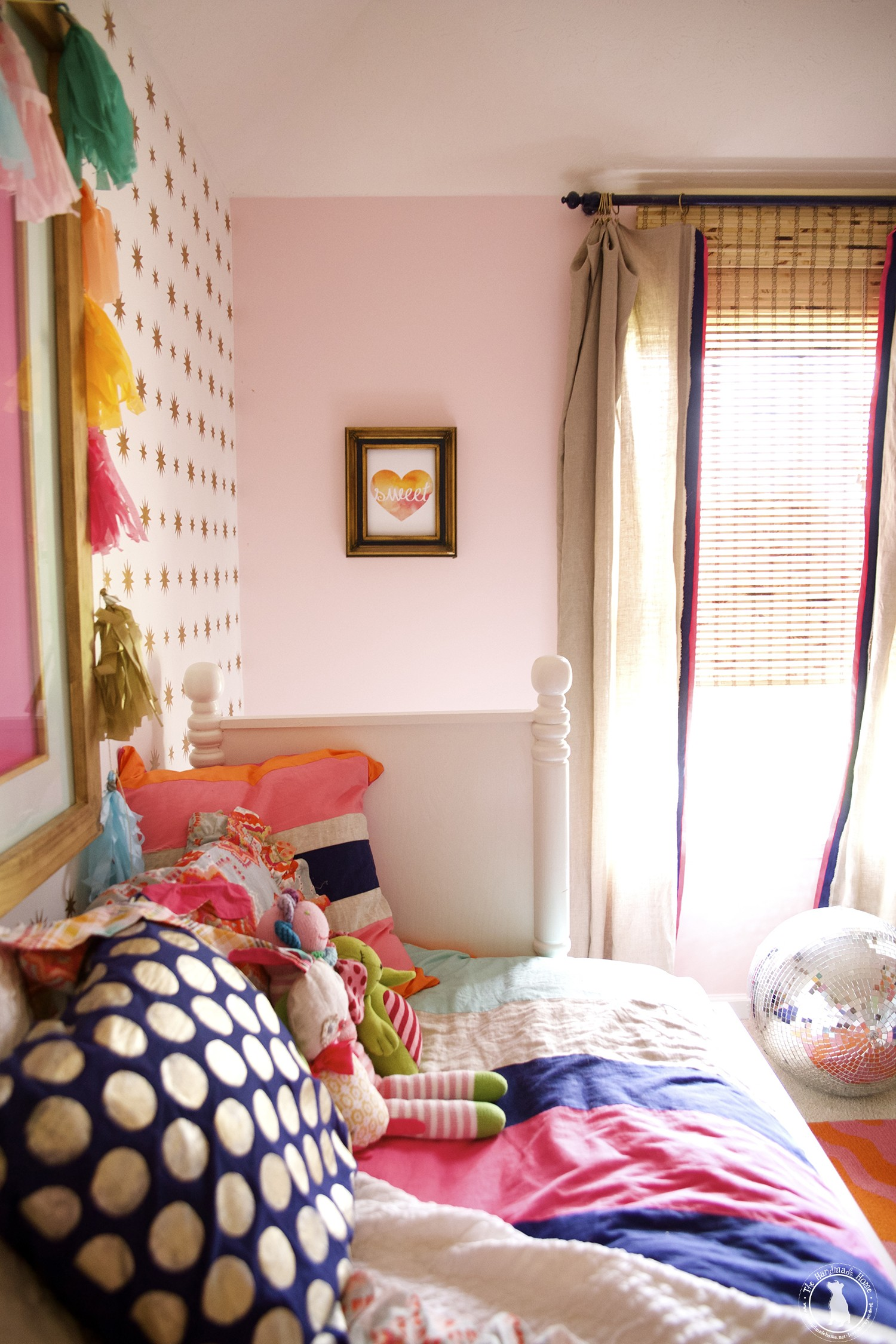 little_girls_bedroom_colorful