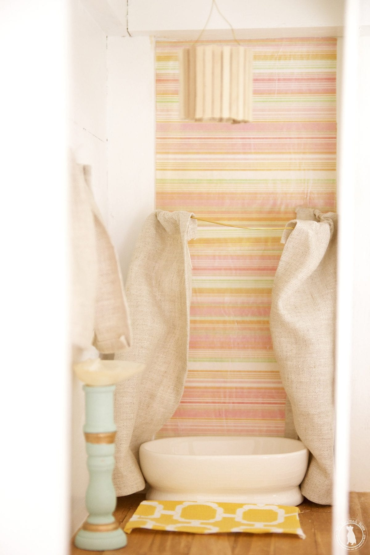 handmade_bathroom_dollhouse