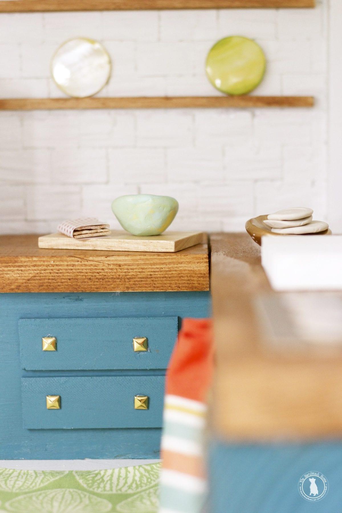 handmade_cabinets_dollhouse