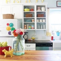 how to survive with your home on the market {mr. clean magic eraser}