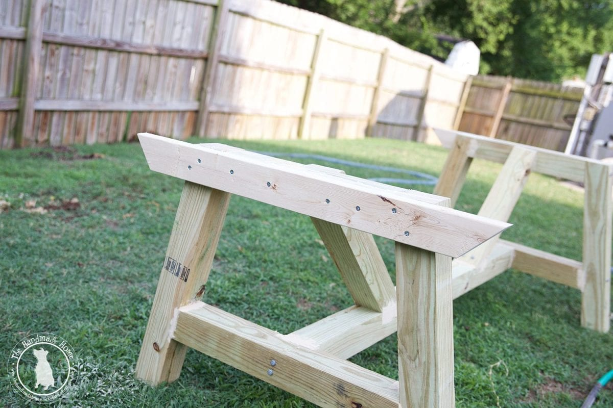 Build_your_own_outdoor_table