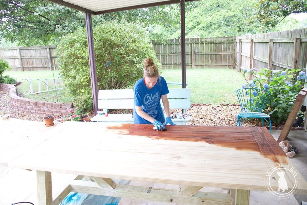 how_to_stain_a_table