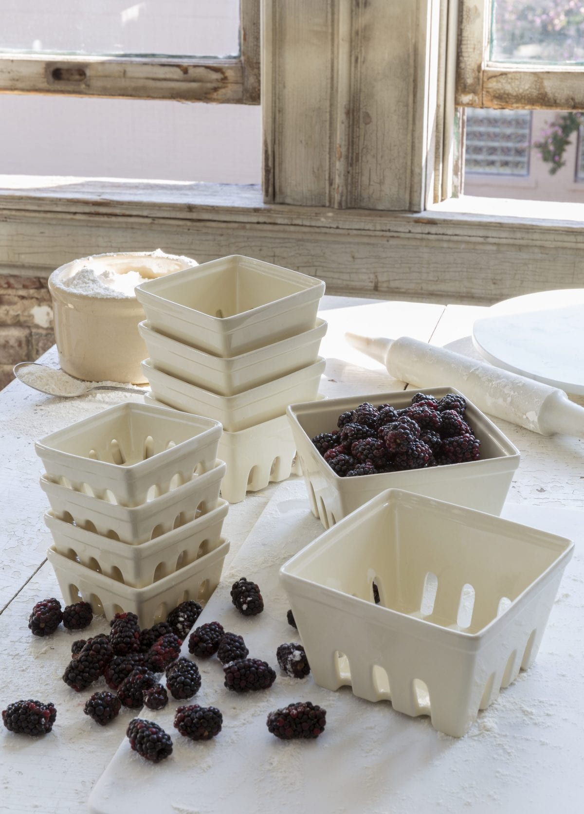 small_berry_dishes