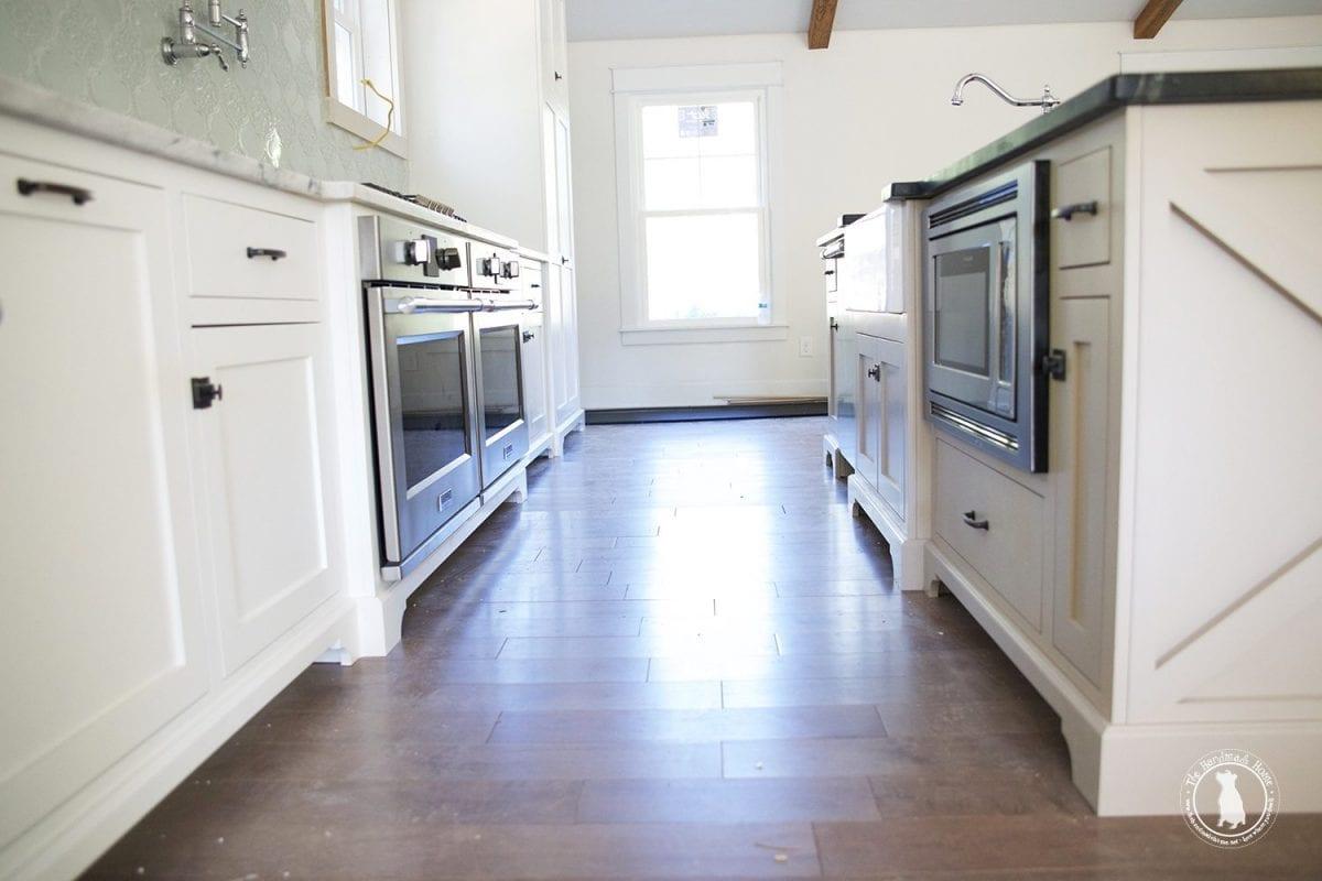 kitchen_cabinet_feet