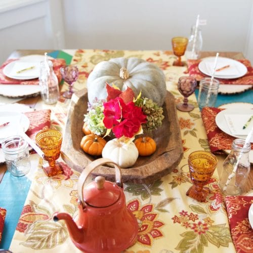 a thanksgiving tablescape for kids {free printables!}
