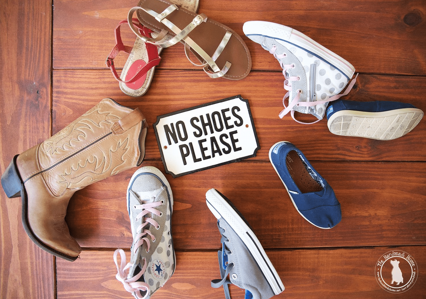 no-shoes-please
