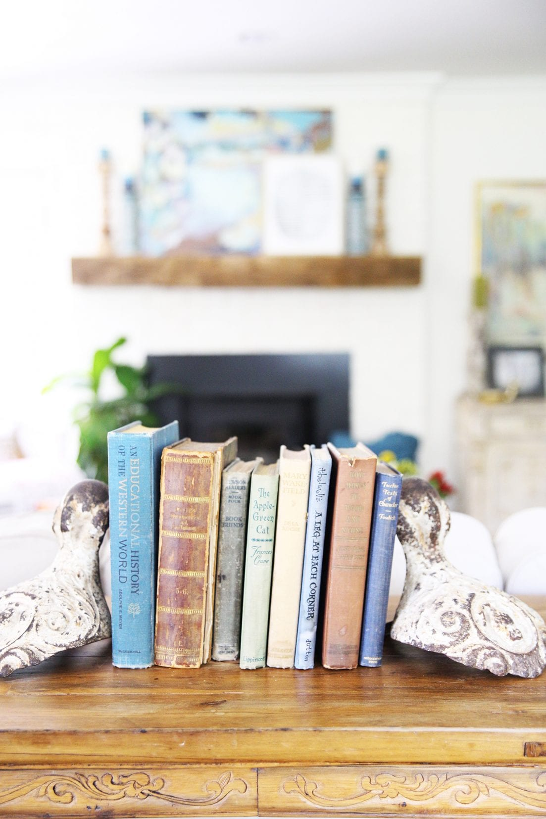 how to style a bookshelf - The Handmade Home