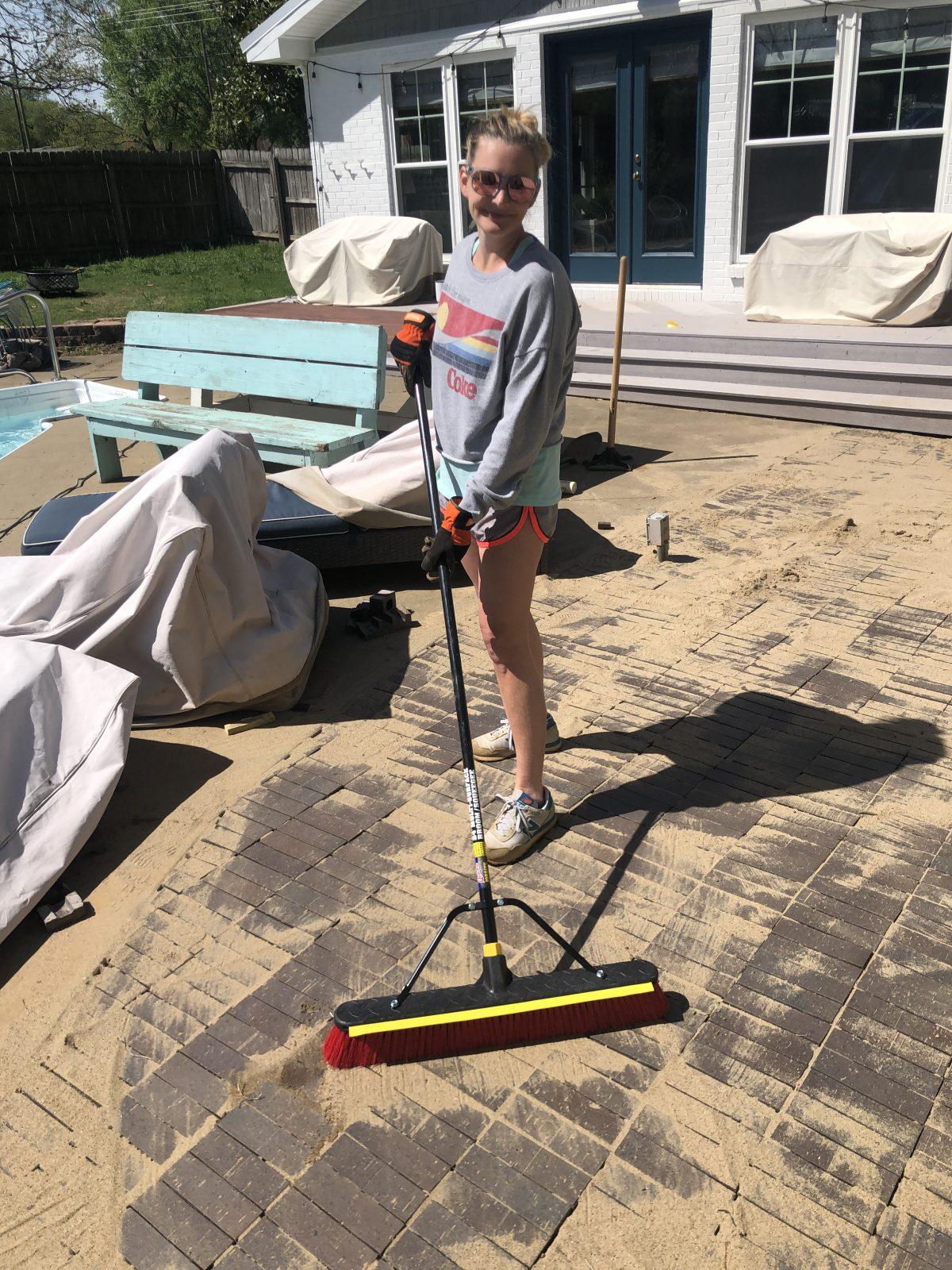 leveling patio pavers