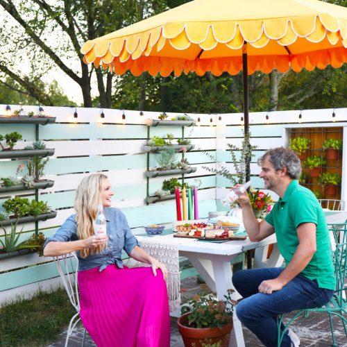 a backyard picnic to celebrate fall